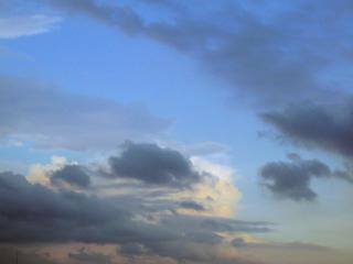 夕暮れ時の雲