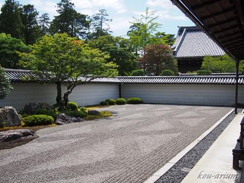 南禅寺の枯山水庭園
