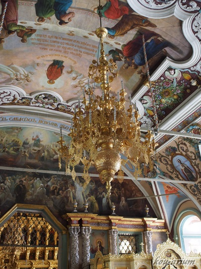 セルギエフ教会内