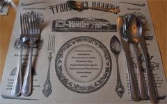 TRAPENZNAYA PALATAのテーブル