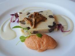 北海道産ホタテとキノコのテリーヌ トマトのムースとセロリラブのクーリ