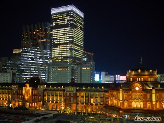 夜の東京駅舎