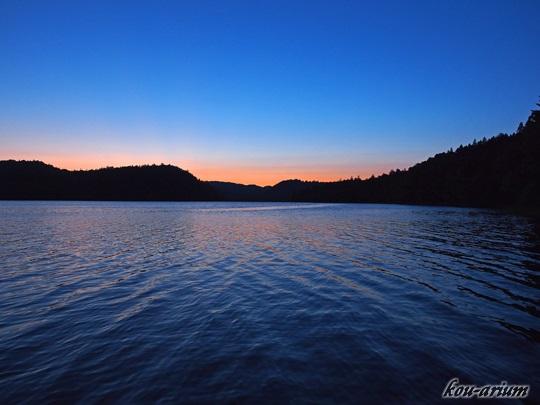 湖のオーベルジュ チミケップホテルから見たチミケップ湖