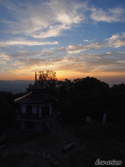藻岩山山頂からの日没の様子