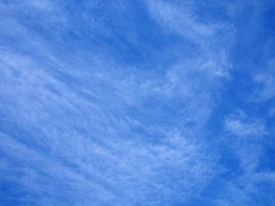 青空と筋雲