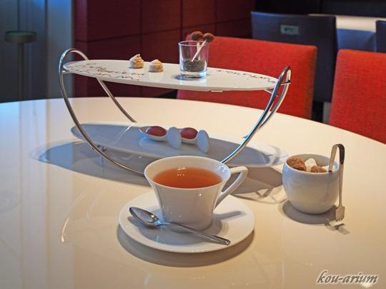 小菓子と紅茶