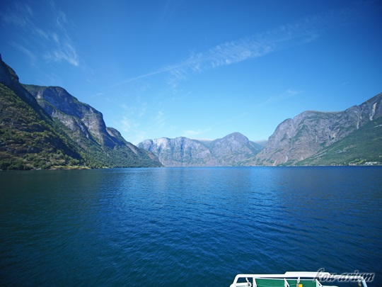 ソグネフィヨルドクルーズ船からの眺め