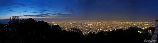 山頂展望台からの夜景